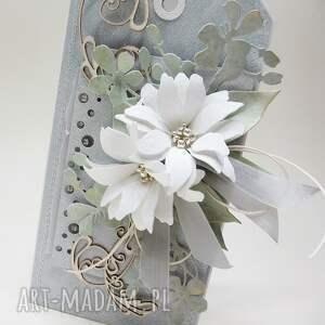 ślub scrapbooking kartki białe z kwiatami w pudełku