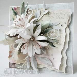 ślub scrapbooking kartki beżowe z kwiatami - w pudełku