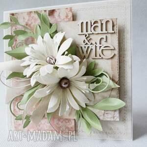 scrapbooking kartki z kwiatami - w pudełku