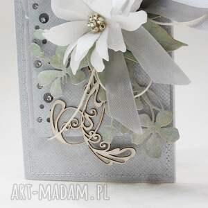 scrapbooking kartki gratulacje z kwiatami w pudełku