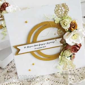 rocznica-ślubu scrapbooking kartki białe złote gody - kartka w pudełku