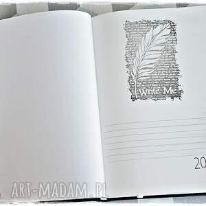 wyraziste scrapbooking notesy kalendarz 2020 dla marzycielki