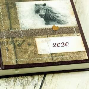 brązowe scrapbooking notesy kalendarz książkowy 2020 - wild