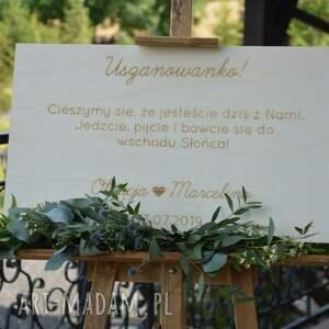 sztaluga ślub drewniana, grawerowana tablica