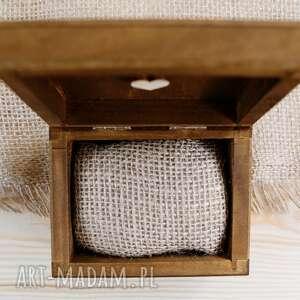 drewniane pudełko ślub na obrączki ślubne - motyw