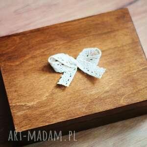 ślub drewno pudełko na obrączki z sercem