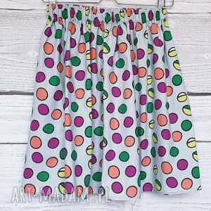 szare spódnice w kropki spódnica w kolorowe grochy