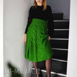 intrygujące spódnice spódnica zielona z warkoczami