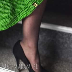 intrygujące spódnice dzianinowa zielona spódnica z warkoczami
