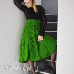 dzianinowa spódnice zielona spódnica z warkoczami