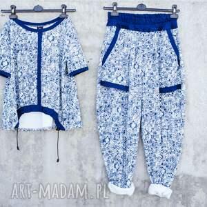niebieskie spodnie nadruk w rozmiarze uniwersalnym. wykonane