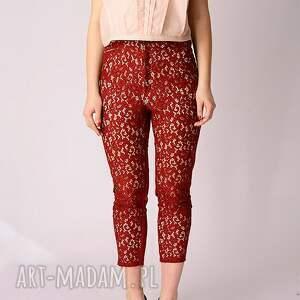 hand made spodnie koronkowe są wykonane z bawełnianej koronki oraz