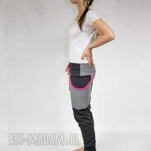 atrakcyjne spodnie dresowe damskie baggy - dres