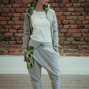 Mimi Monster spodnie: dresowe damskie jungle - baggy - szare
