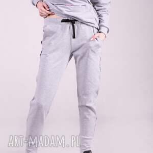 wyjątkowe spodnie dresowe damskie