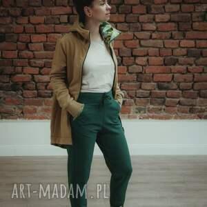 zielone spodnie dres damski dresowe o sportowym, wygodnym fasonie