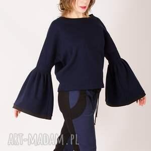 spodnie kontrast wykonane z bawełny. przód