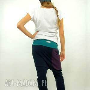 dres spodnie zielone dresowe z nisko osadzonym krokiem