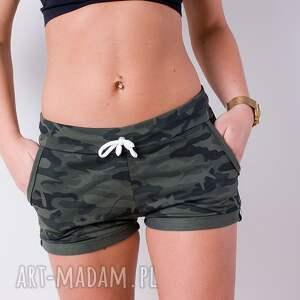 fajne spodnie zielone militarne krótkie spodenki styl