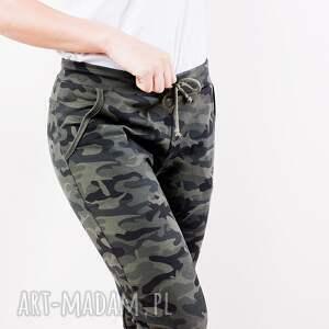 spodnie modne fajne dopasowane dresowe