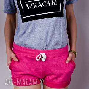 spodnie: Modne różowe krótkie spodenki szorty z wywijaną nogawką kolor fuksja xs/s
