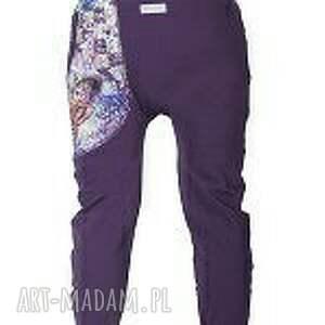 niepowtarzalne spodnie dres nocny motyl damskie - baggy