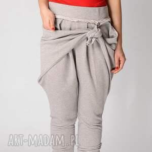 szare spodnie metaliczne dresowe