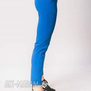niebieskie spodnie dress w kolorze chabrowym
