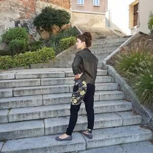 hand made sportowe czarno złoty komplet damski bluza i spodnie