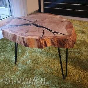 loft stoły brązowe stolik, który przykuwa wzrok już od pierwszej
