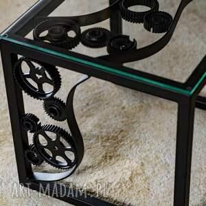 stoły: Metalowy industrialny stolik kawowy
