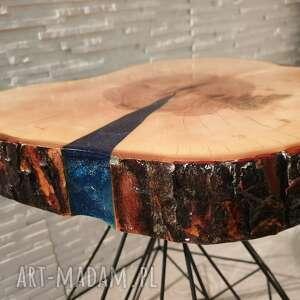 stoły stolik drewniany z żywicy