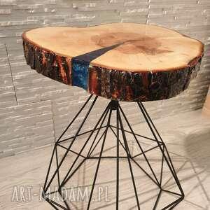 stoły stolik, który przykuwa wzrok już od pierwszej