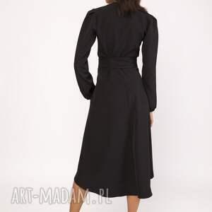 sukienki sukienka kopertowy fason sprzyja każdej sylwetce
