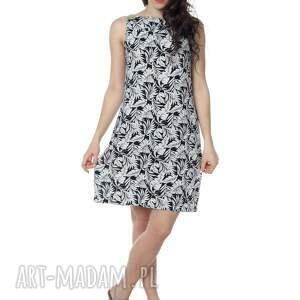 sukienki uniwersalna bardzo kobieca i minimalistyczna
