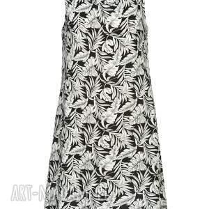 sukienki designerska bardzo kobieca i minimalistyczna