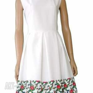 kolorowe sukienki sukienka biała z kontrafałdami