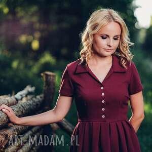 sukienka sukienki fioletowe scarlett łączy w sobie elegancję