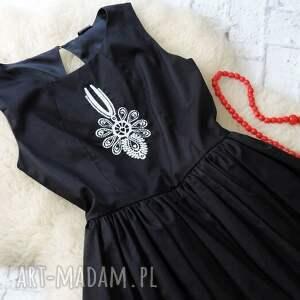 białe sukienki sukienka czarna rozkloszowana