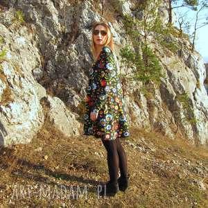 sukienki rozkloszowana czarna sukienka