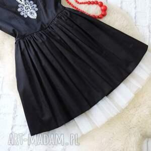 wyjątkowe sukienki sukienka czarna rozkloszowana