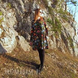 unikatowe sukienki sukienka czarna rozkloszowana