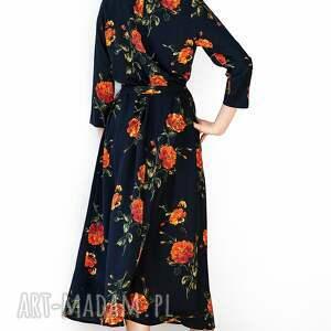 Czarna sukienka w róże - wiskoza