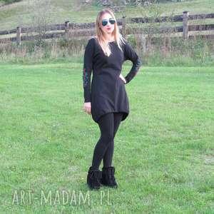 dzianiny sukienki czarna sukienka z haftowanymi