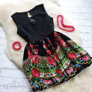 folk sukienki czarna sukienka z góralskim wzorem