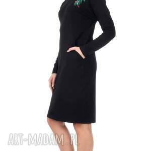 hand-made sukienki dzianina czarna sukienka z haftem