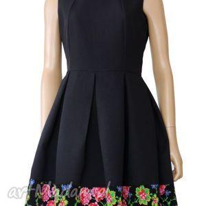 eleganckie sukienki sukienka czarna z kontrafałdami