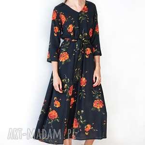 HANKA Czarna sukienka w róże - wiskoza uniwersalna