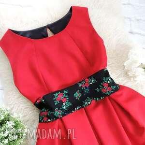 sukienki sukienka czerwona z szarfą folk