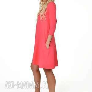 nietuzinkowe sukienki sukienka 7d rozkloszowana
